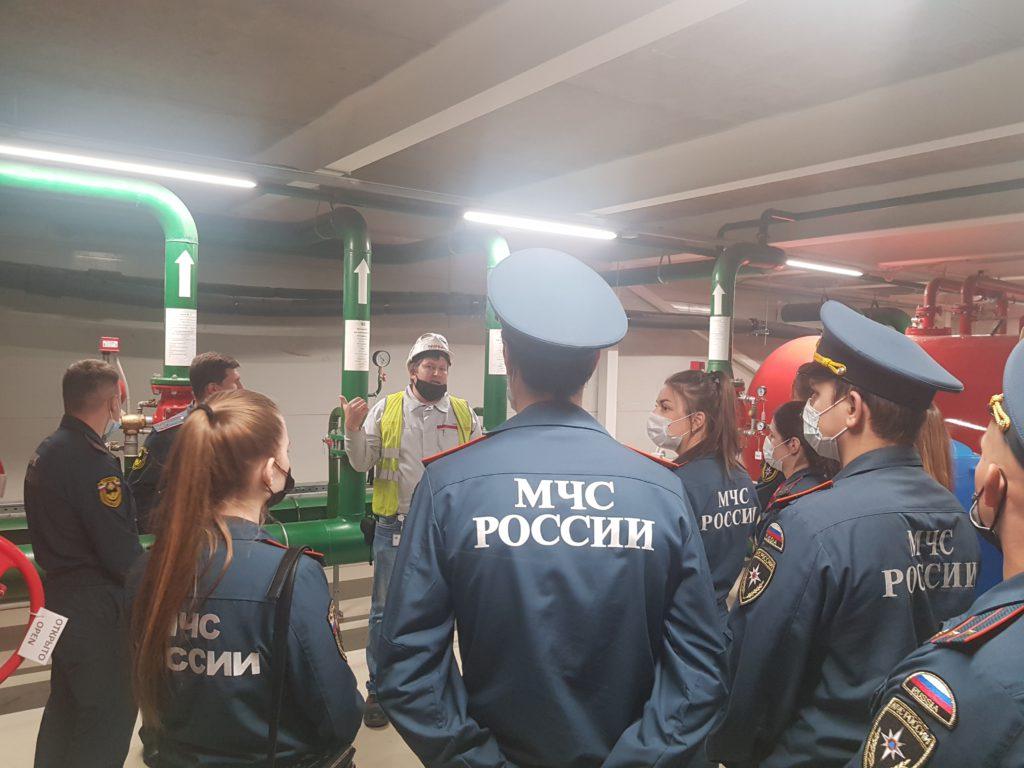 Сотрудники управления по Выборгскому району Главного управления МЧС России по г. Санкт-Петербургу  инспектируют завод NISSAN