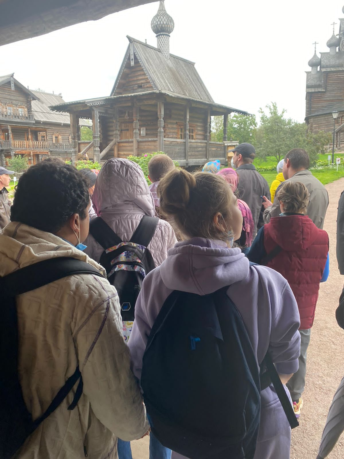 Жители МО Светлановское на экскурсии в Этнопарке Усадьба Богословка